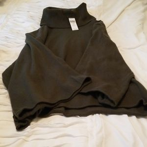 Dark green bcbg green sweater